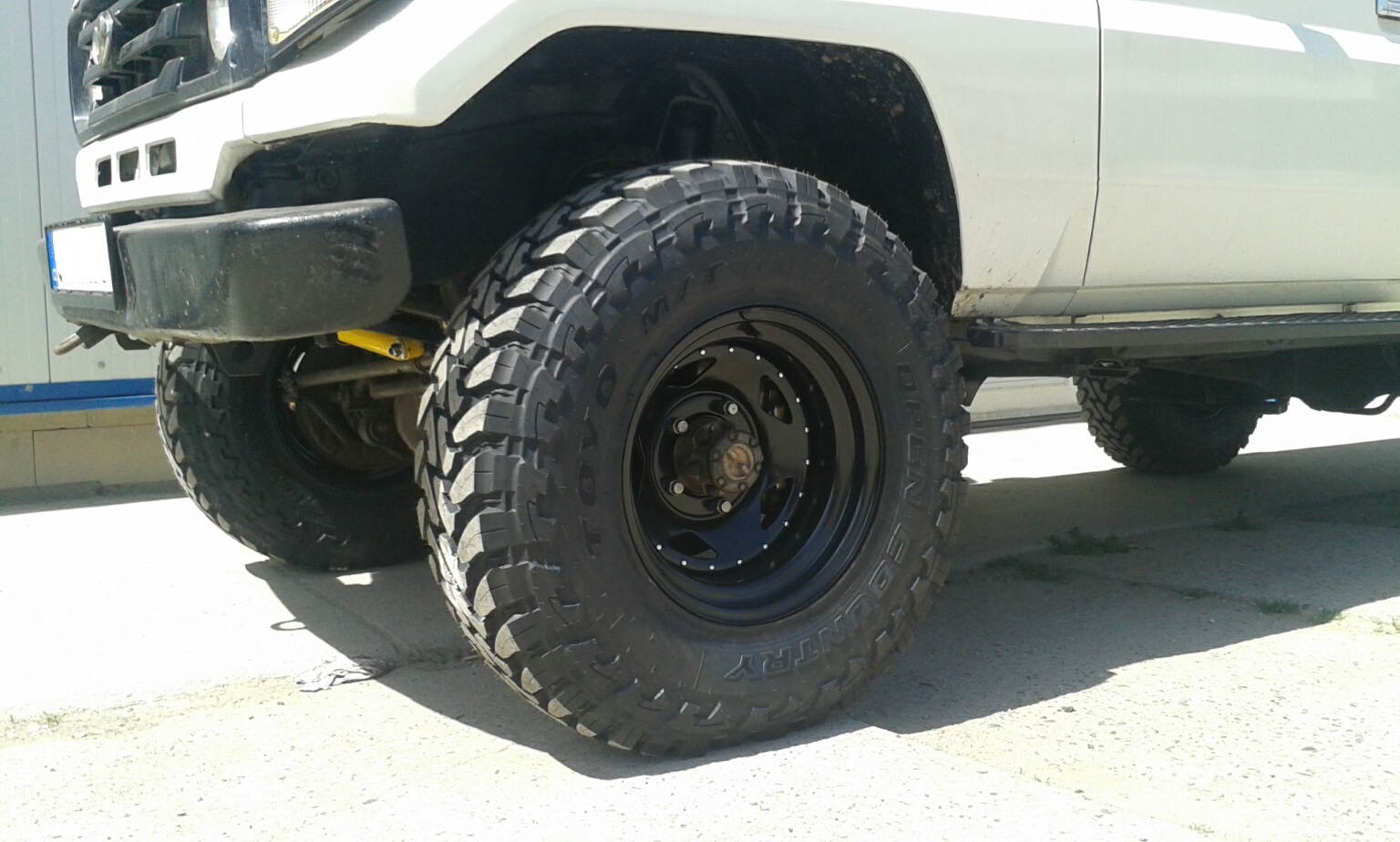 Toyo OPEN COUNTRY M/T 255/85R16